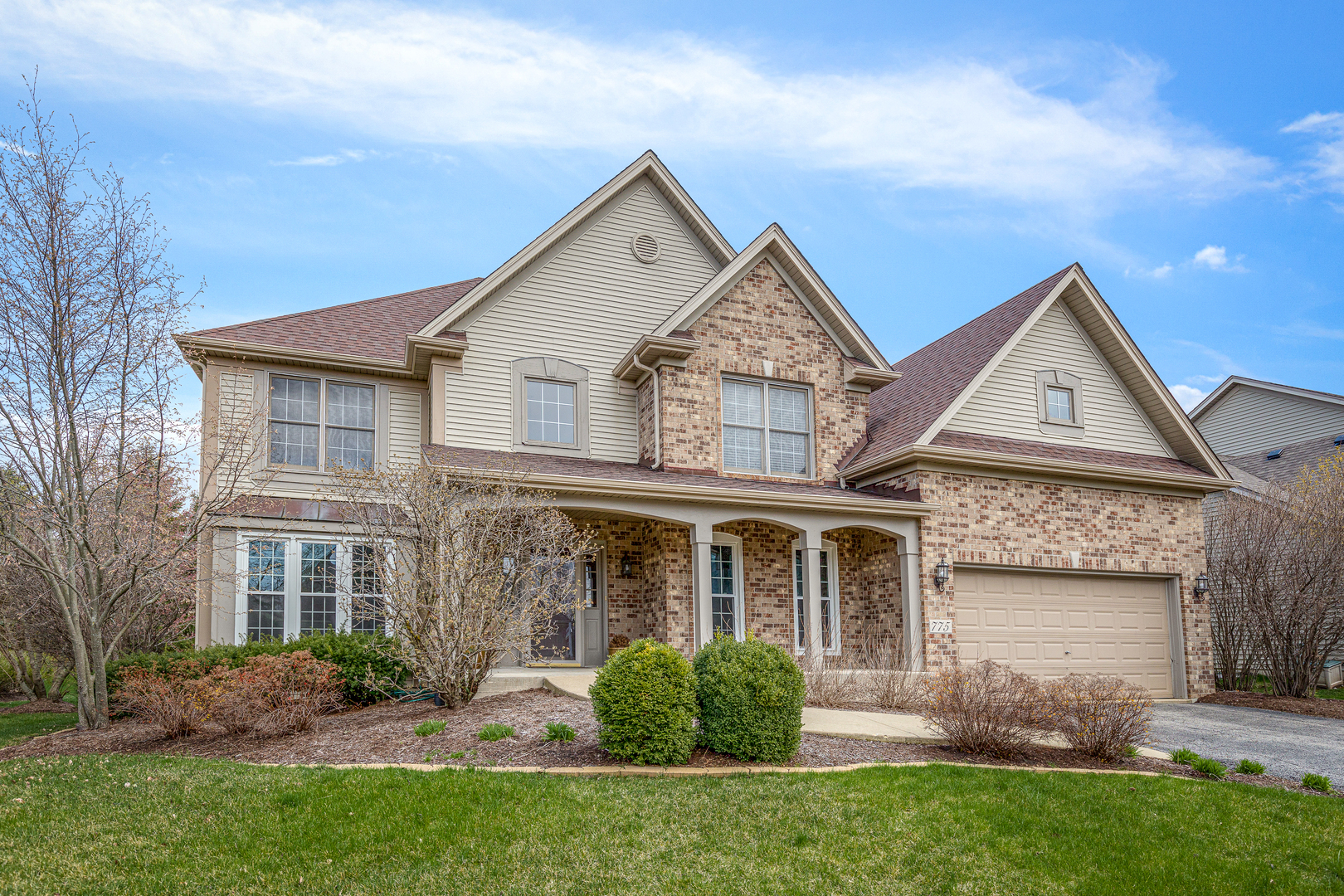 775  Chasewood,  South Elgin, Illinois