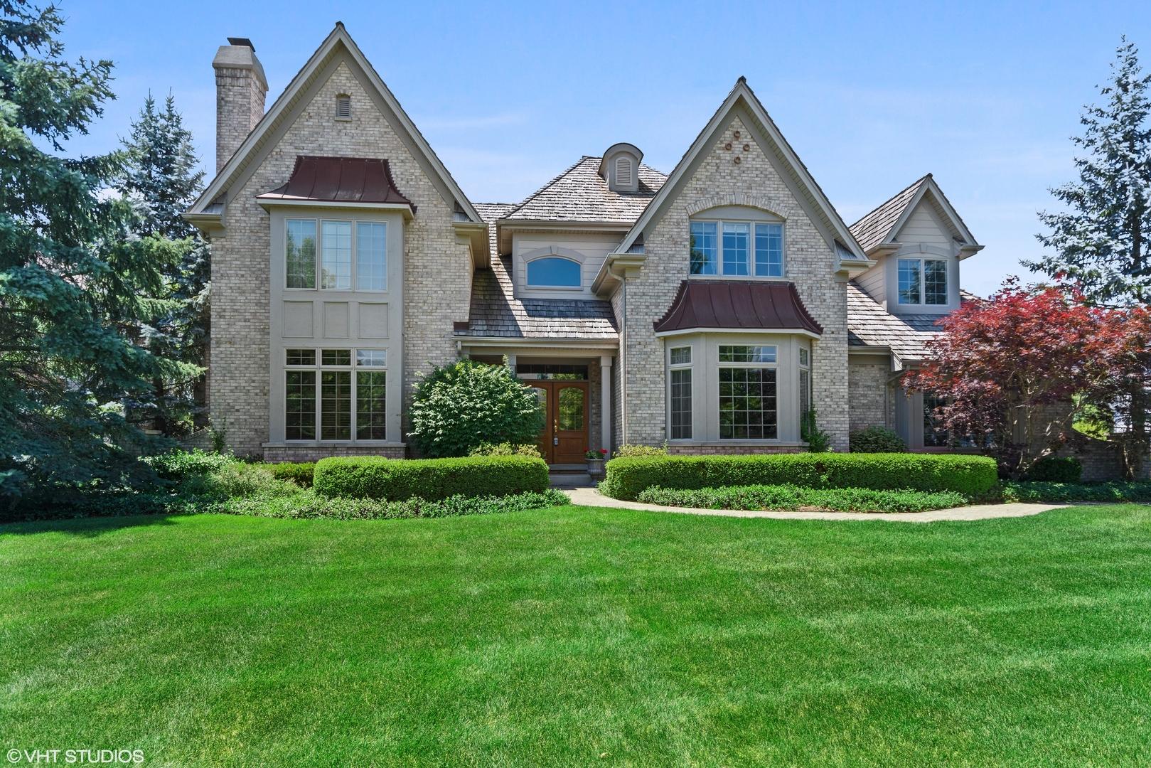 3627  Grand View,  St. Charles, Illinois