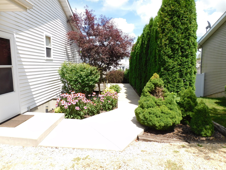 302 Scarlet Oak, Poplar Grove, Illinois, 61065