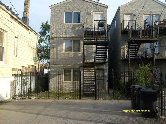 3008 West Flournoy 3, Chicago, Illinois, 60612