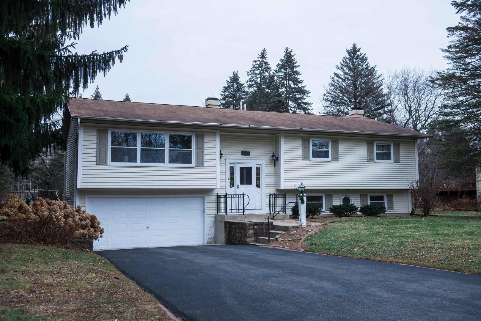 15418 West Clover Lane, Libertyville, Illinois 60048