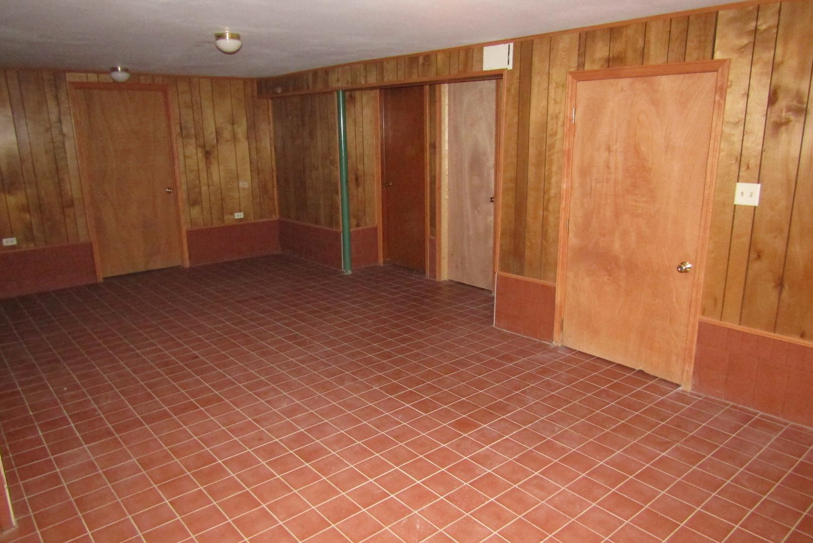 355 Ash, Wood Dale, Illinois, 60191