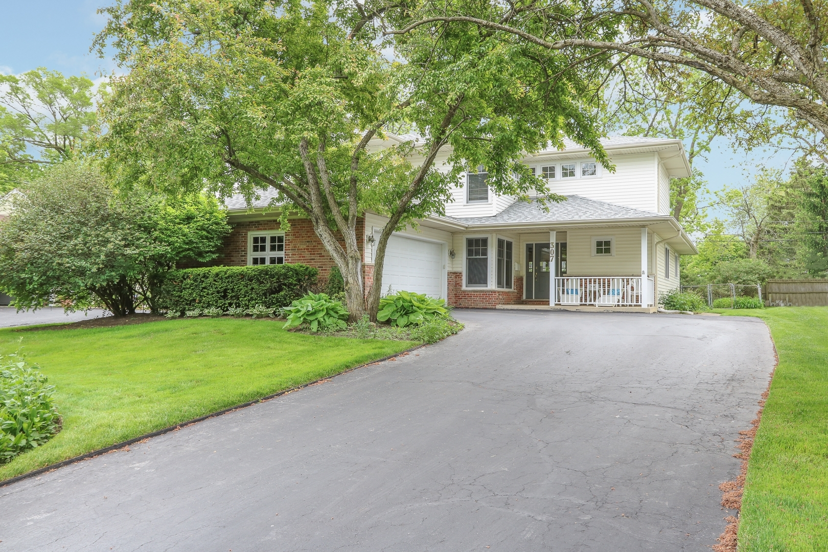 307 East Washington Avenue, Lake Bluff, Illinois 60044
