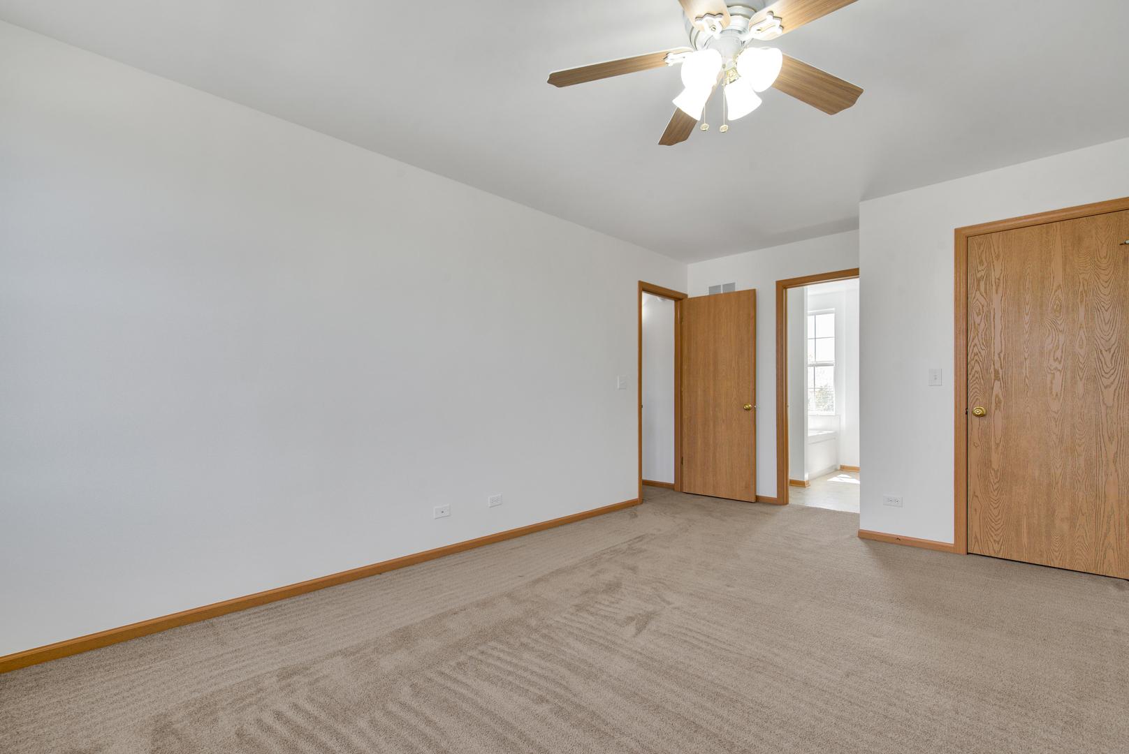1669 Linden Park, Aurora, Illinois, 60504