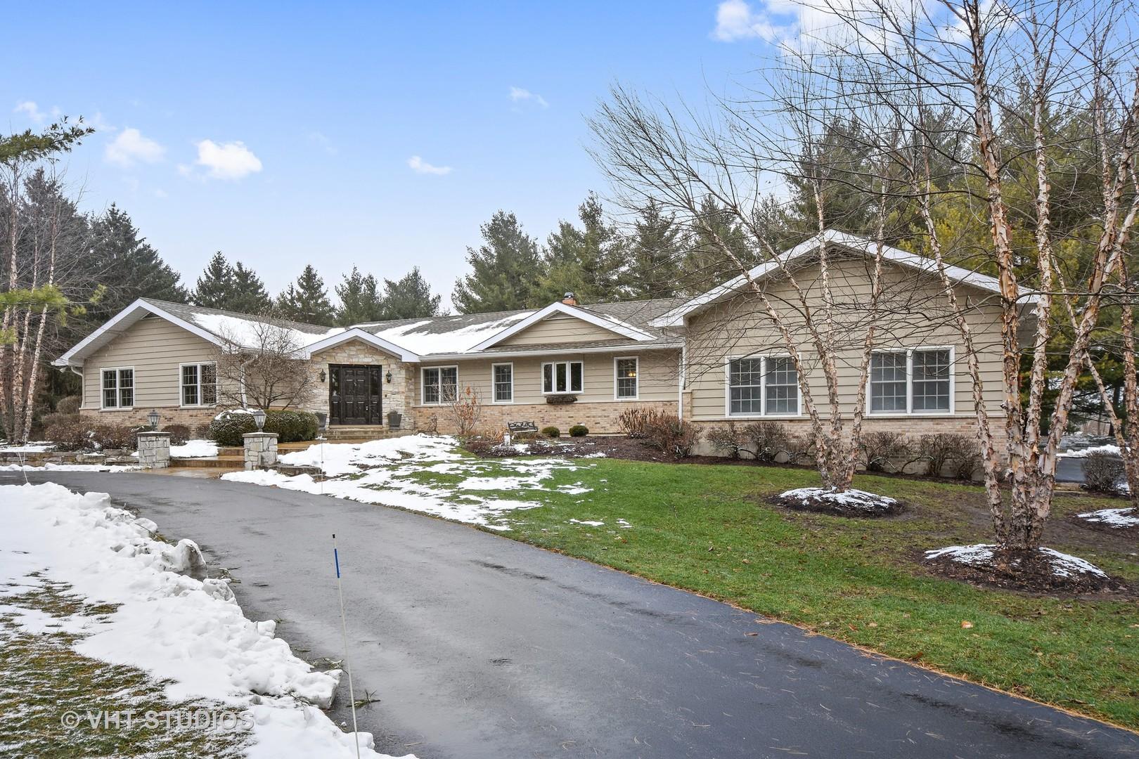25747 North Kyle Court, Hawthorn Woods, Illinois 60047