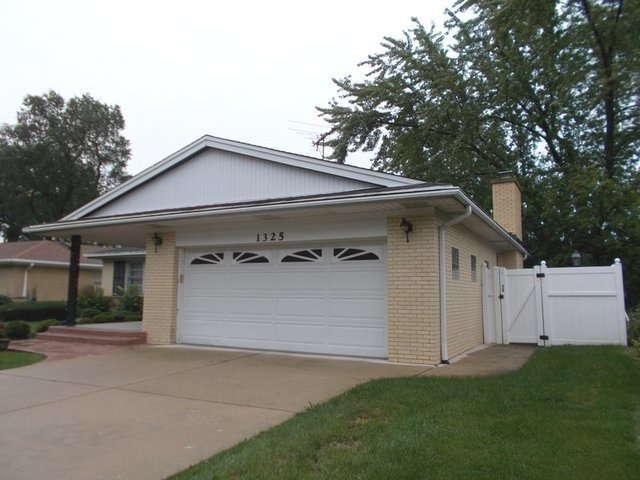 1325 HOLLYWOOD, Glenview, Illinois, 60025