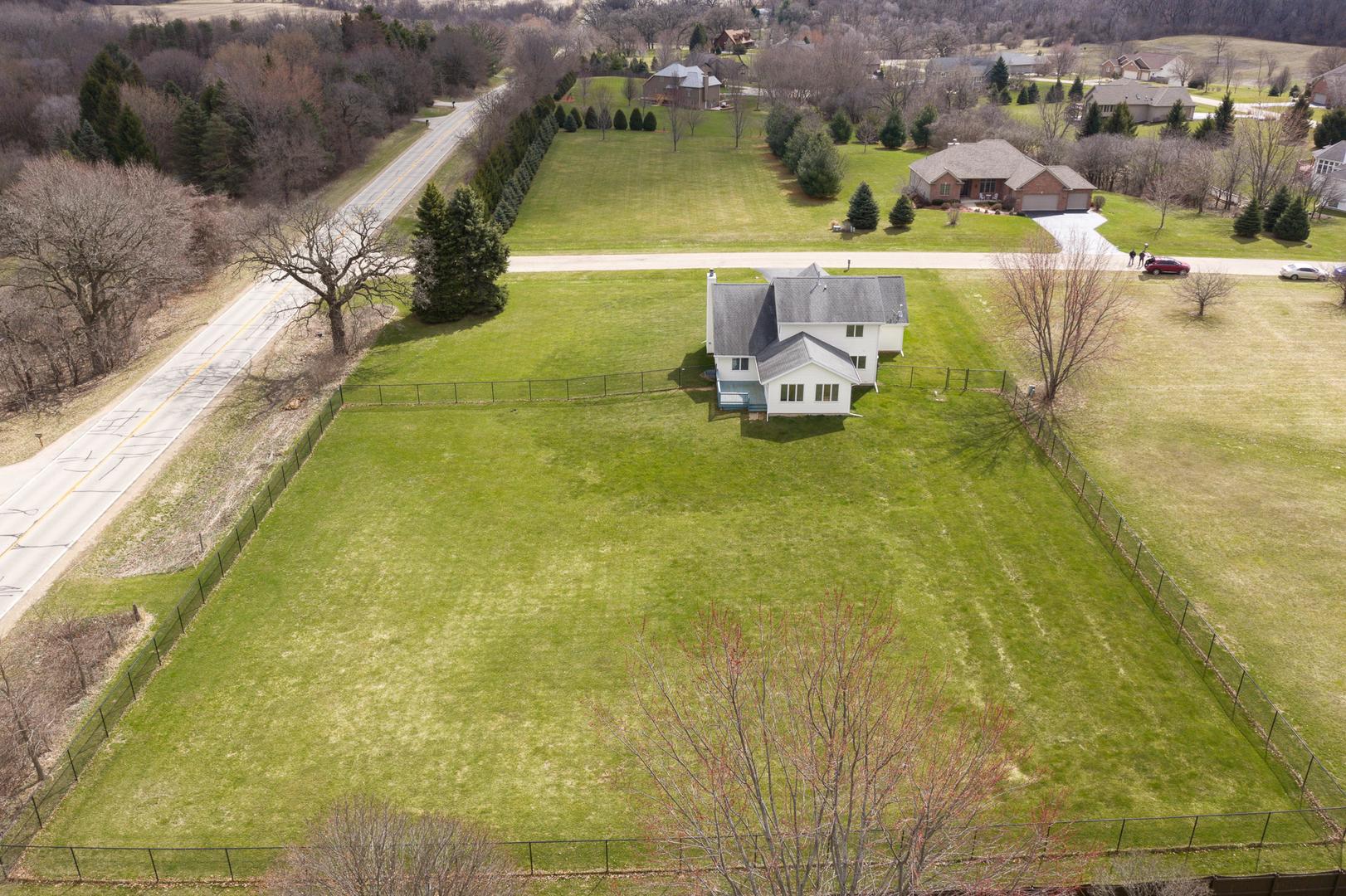 9756 Country Knolls, Roscoe, Illinois, 61073