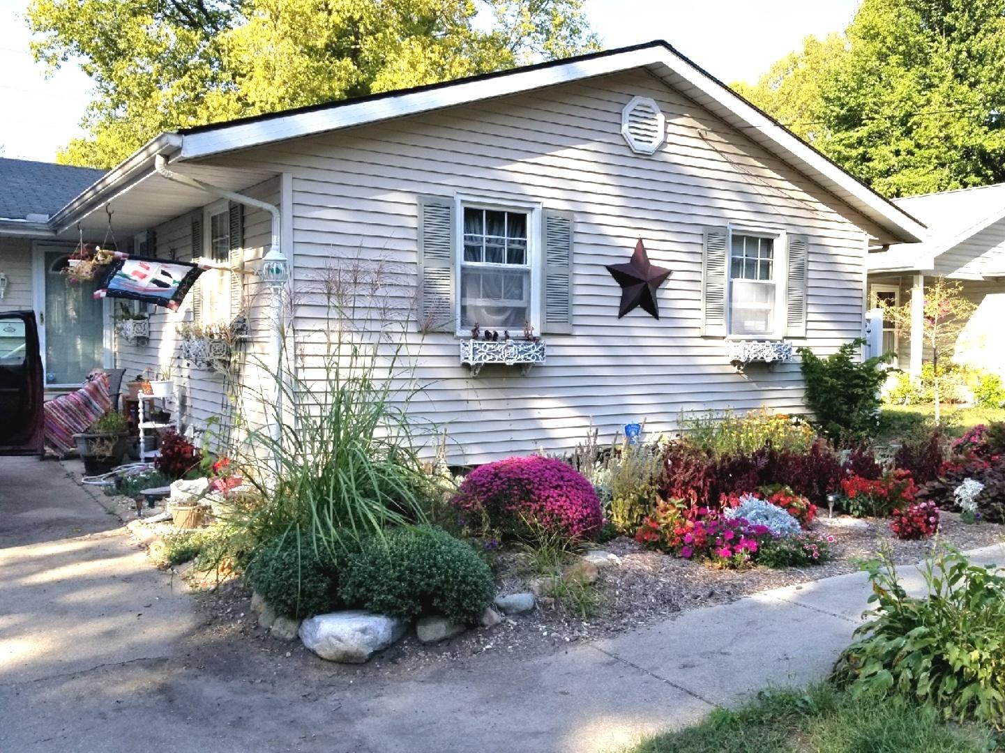 808 East HIGH, Monticello, Illinois, 61856