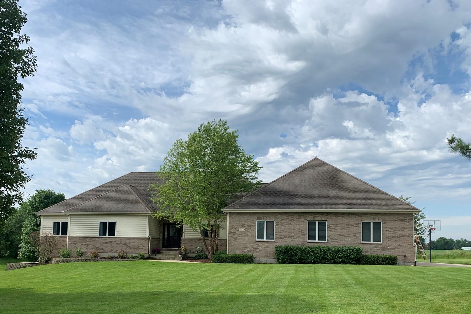 1011 Ember Lane, Spring Grove, Illinois 60081