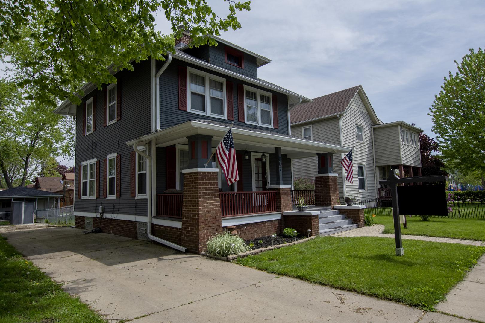 807 West New York, AURORA, Illinois, 60506
