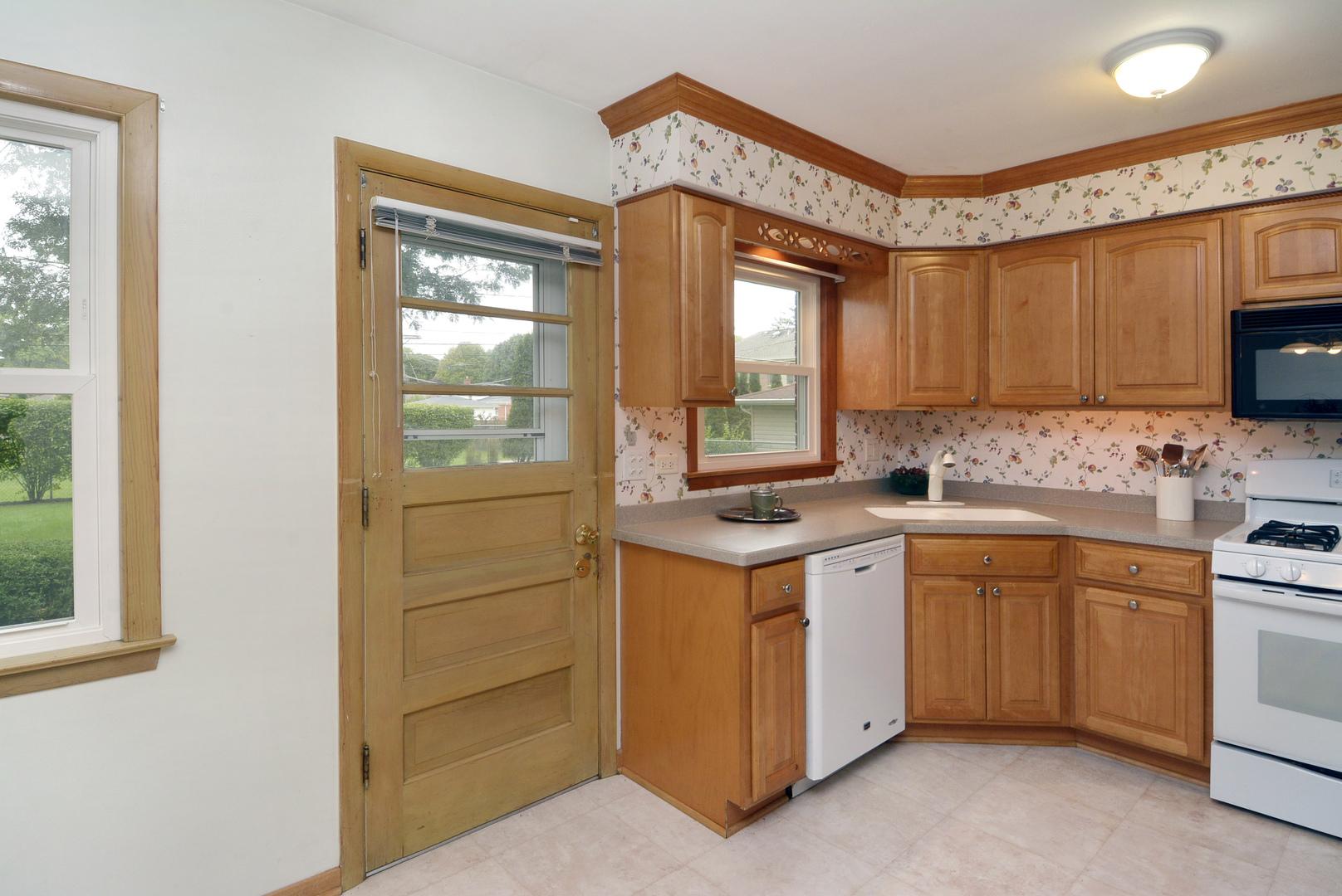 404 Hatlen, Mount Prospect, Illinois, 60056