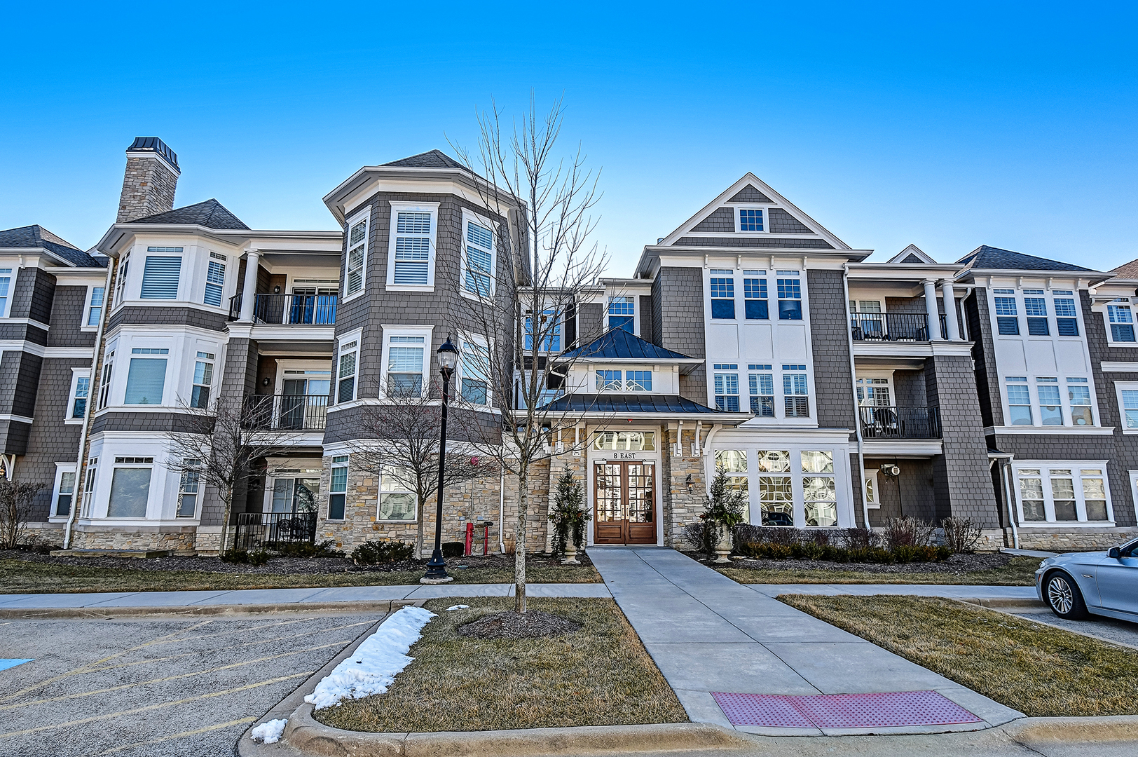 8 East KENNEDY 206, Hinsdale, Illinois, 60521
