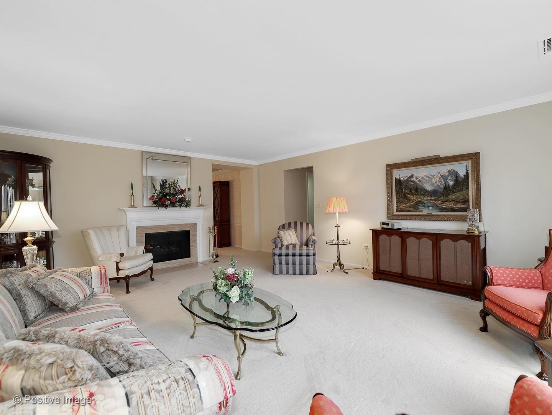 1401 Burr Oak 201C, Hinsdale, Illinois, 60521