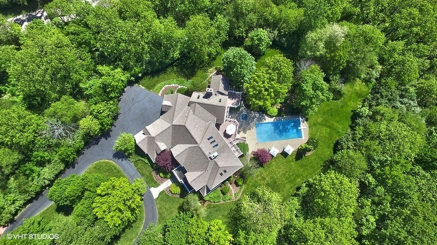 525 South Valley Hill, Bull Valley, Illinois, 60098