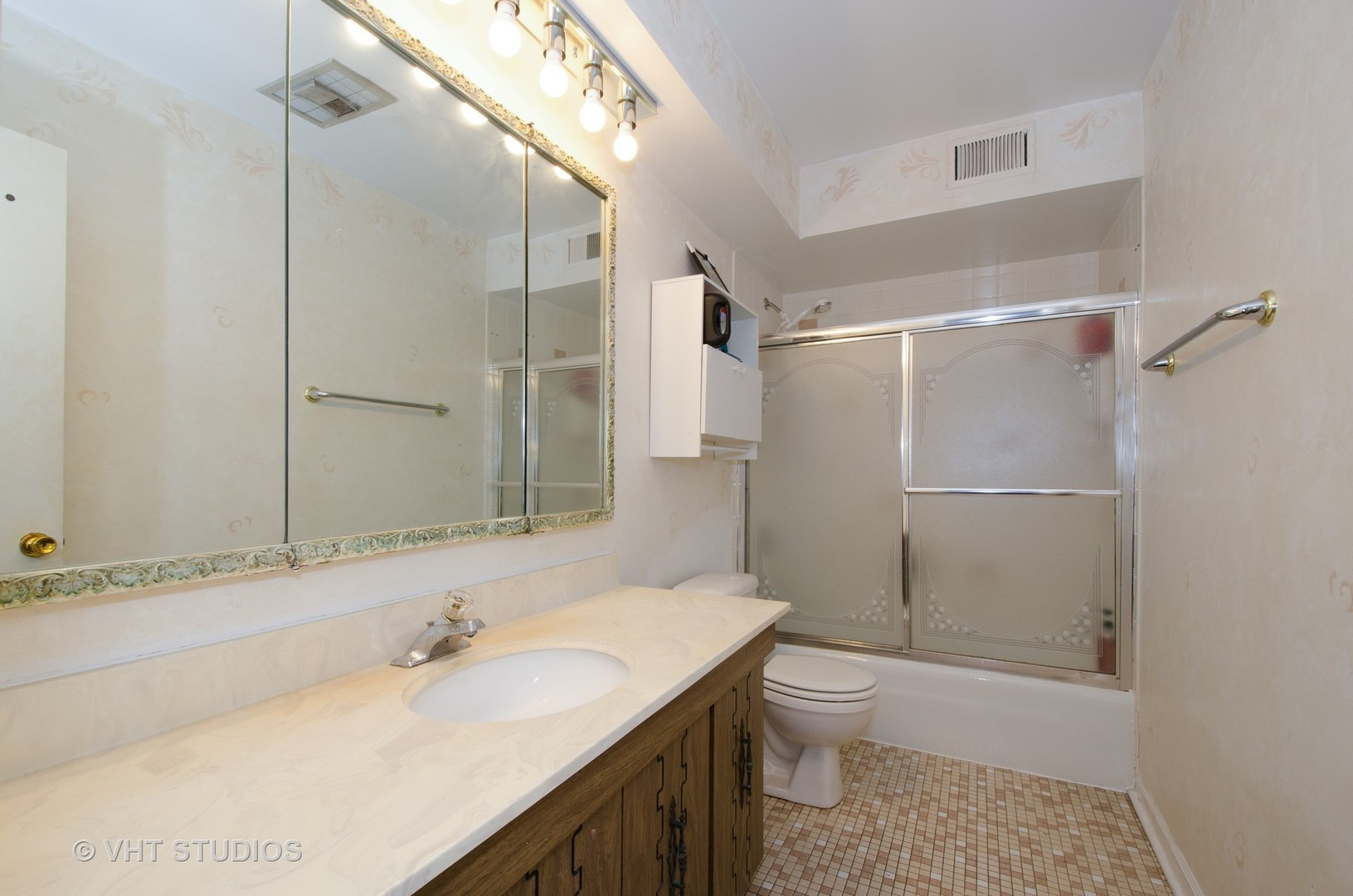 2844 West Touhy B, CHICAGO, Illinois, 60645