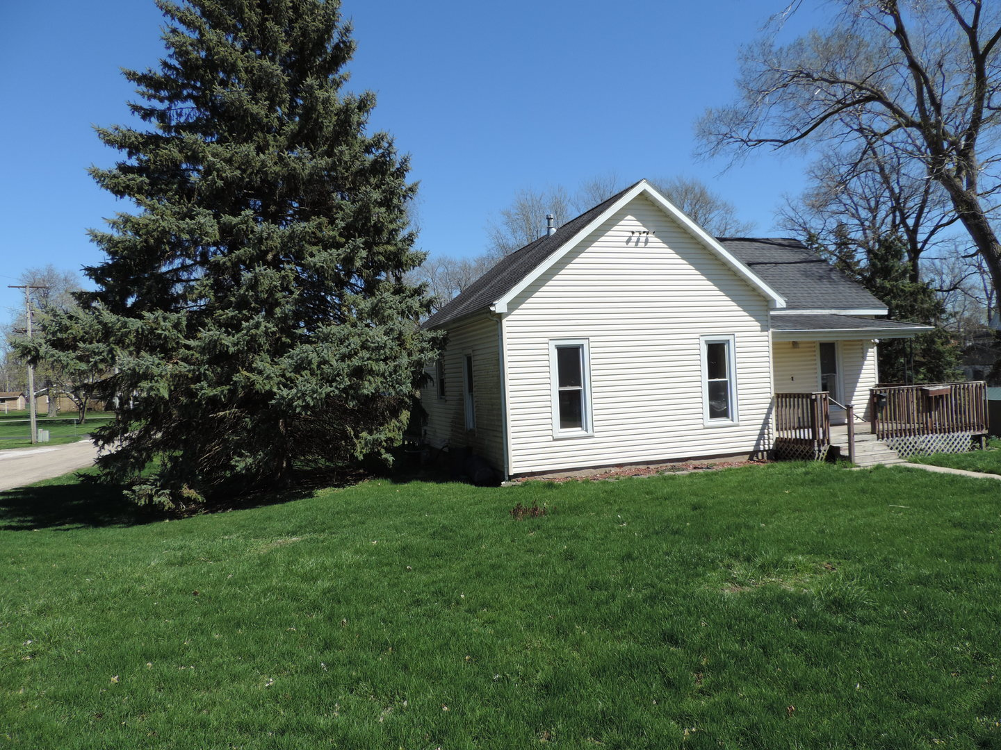107 North Putnam, Lostant, Illinois, 61334