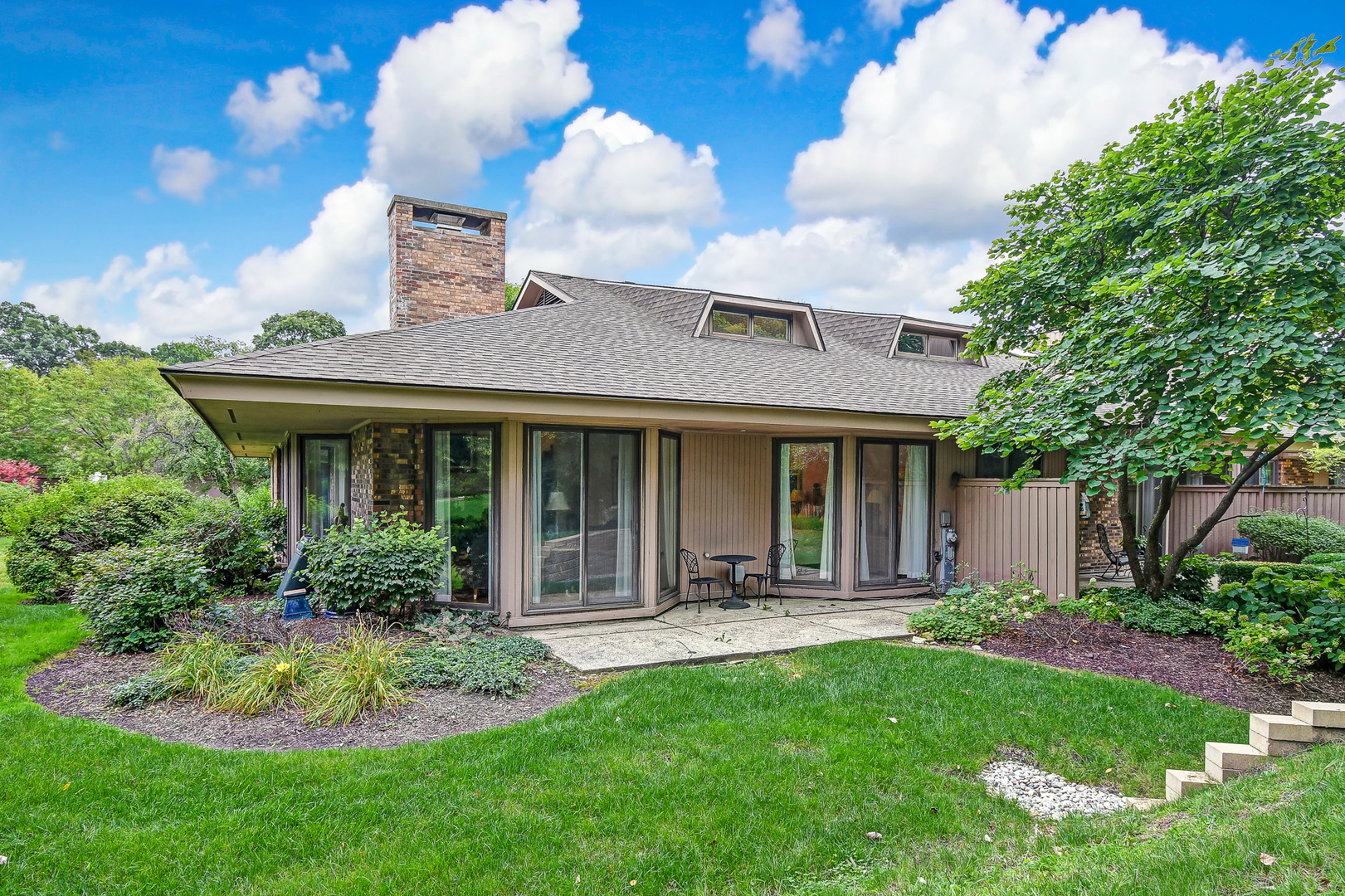 1222 Indian Trail 4F, Hinsdale, Illinois, 60521