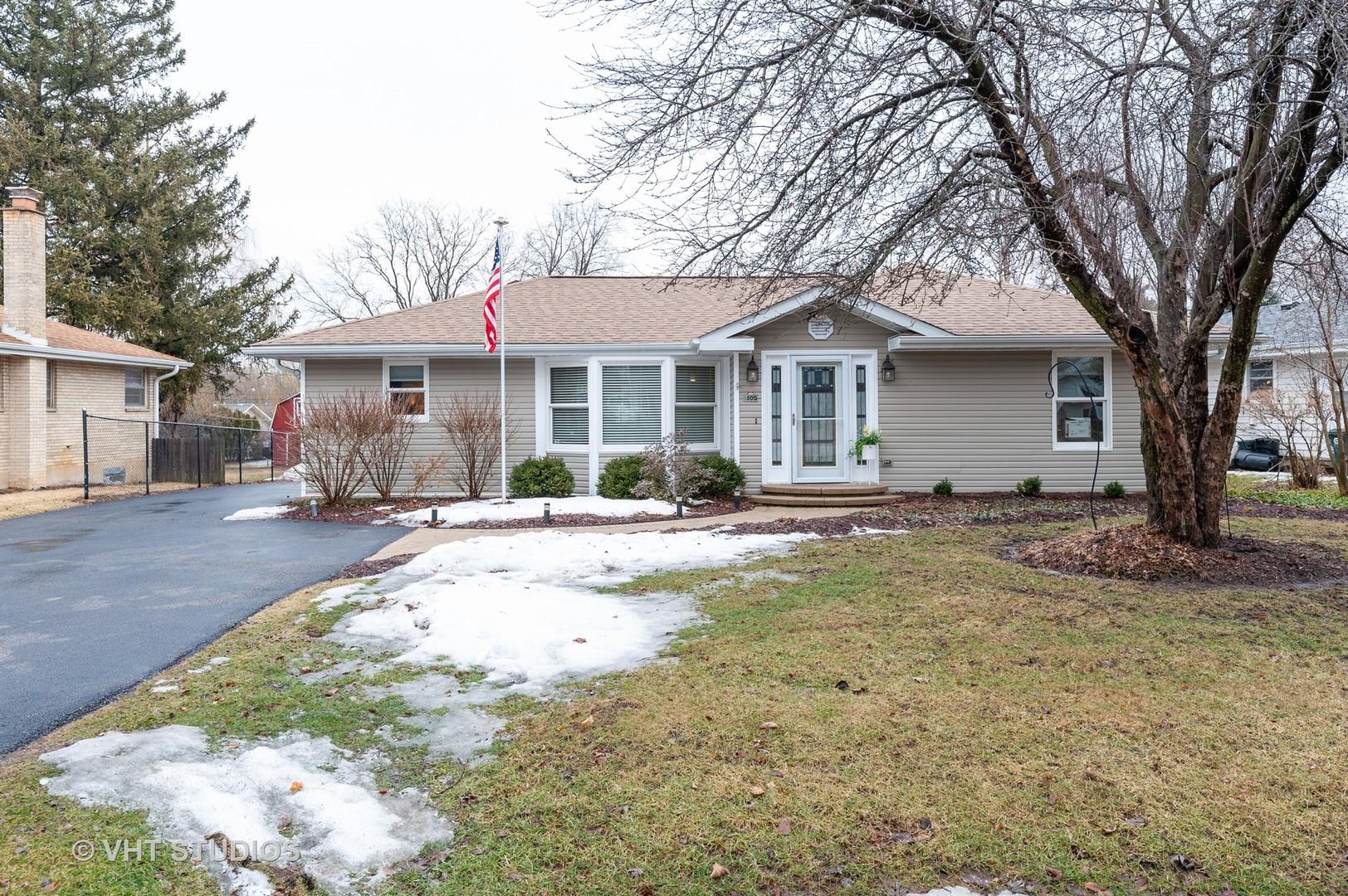 105 White Oak Drive, Lindenhurst, Illinois 60046