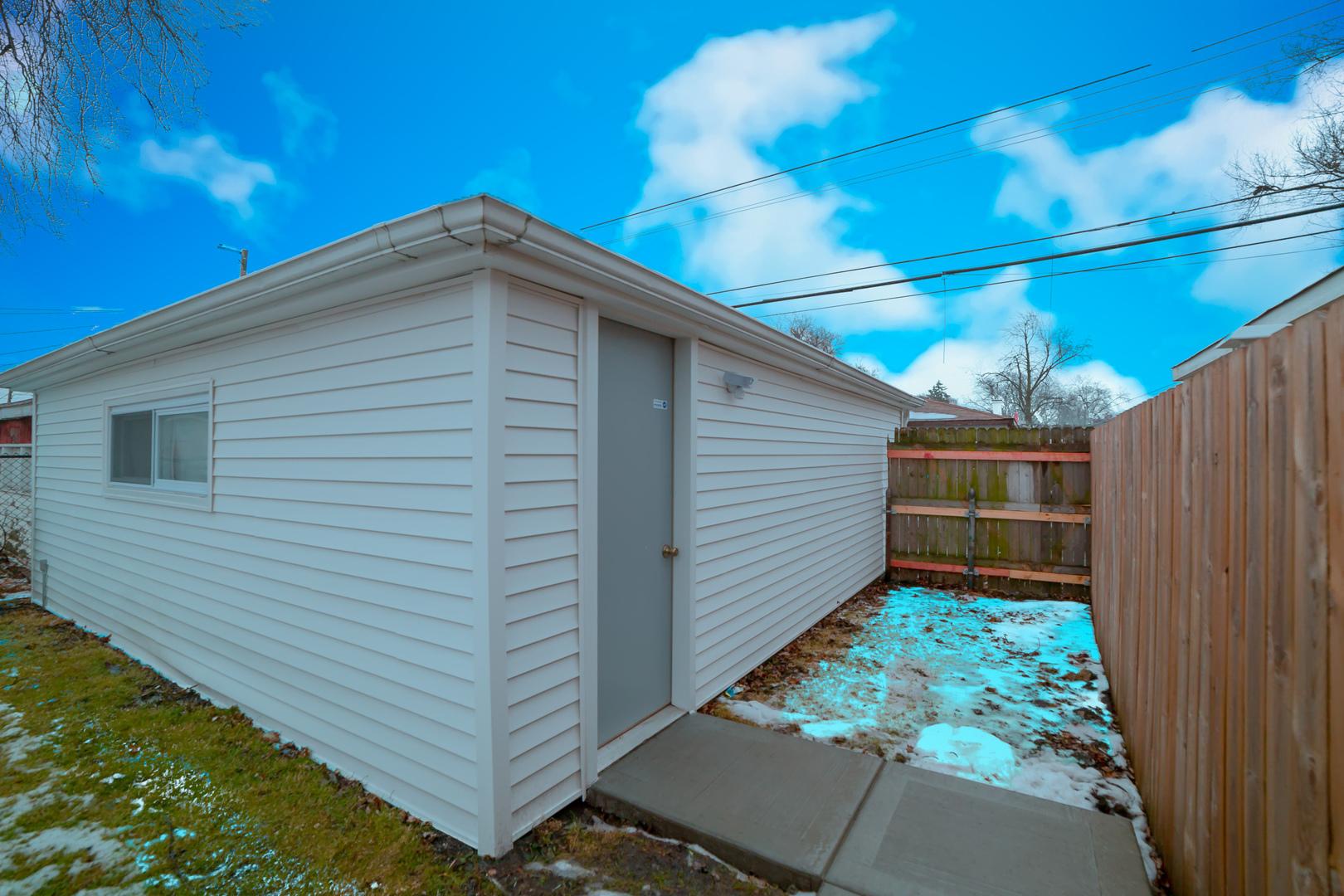 12631 South justine, Calumet Park, Illinois, 60827