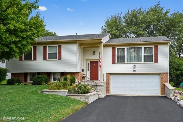 662 Surryse Road, Lake Zurich, Illinois 60047