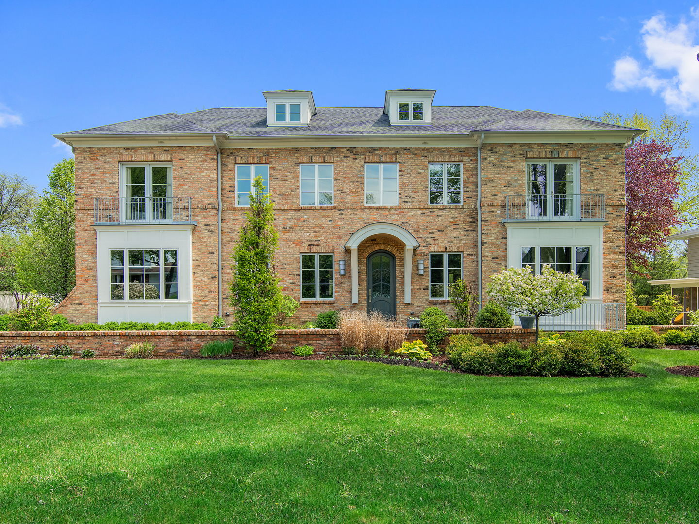 323 North Quincy Street, Hinsdale, Illinois 60521