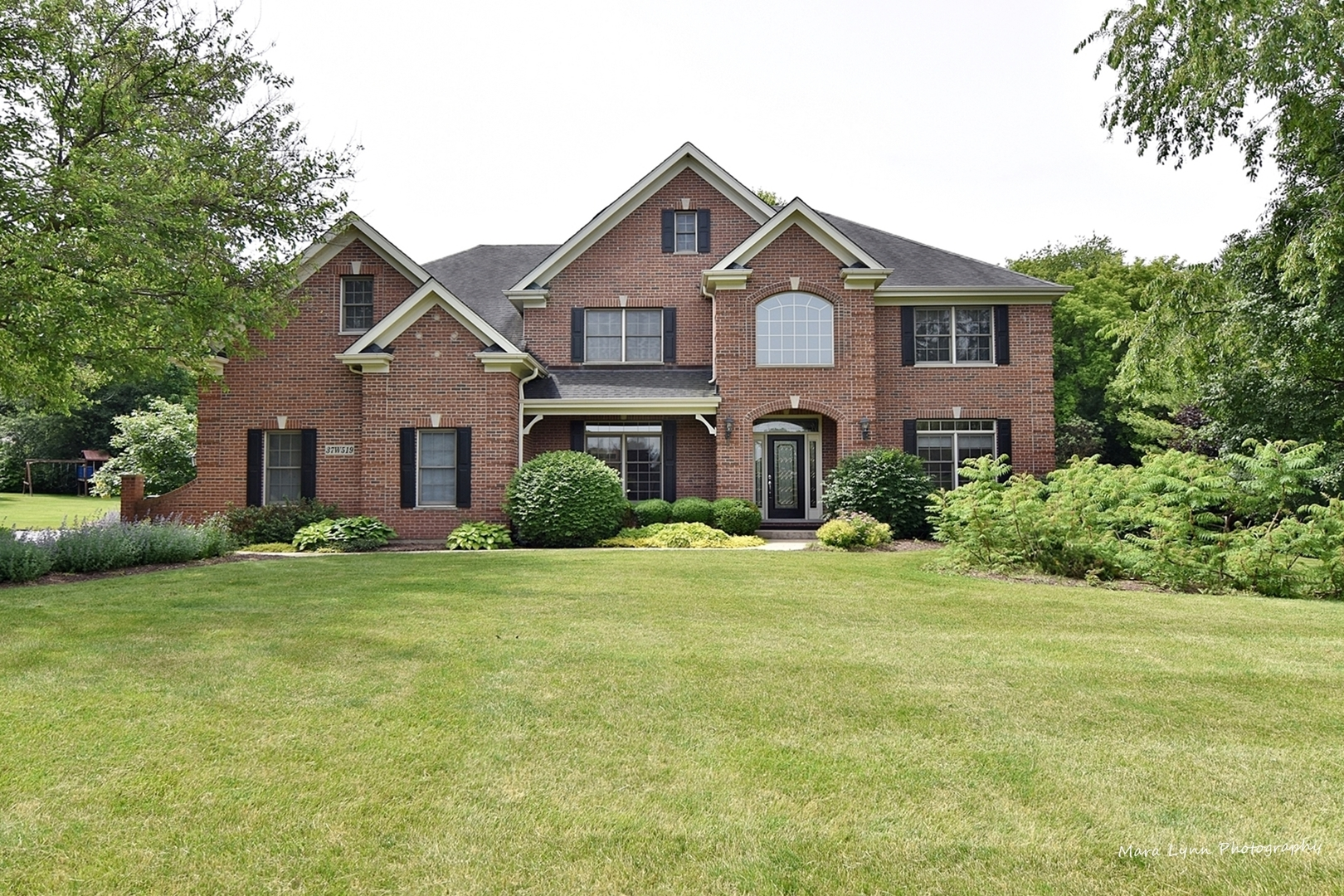 37W519 GREY BARN, ST. CHARLES, Illinois, 60175