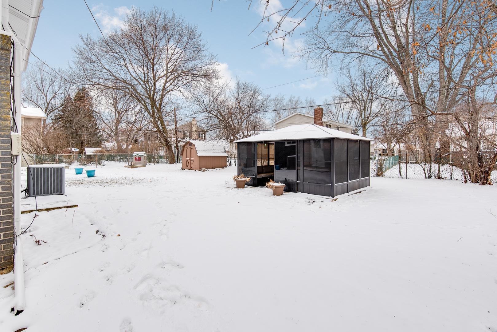 267 Arapahoe, Carol Stream, Illinois, 60188