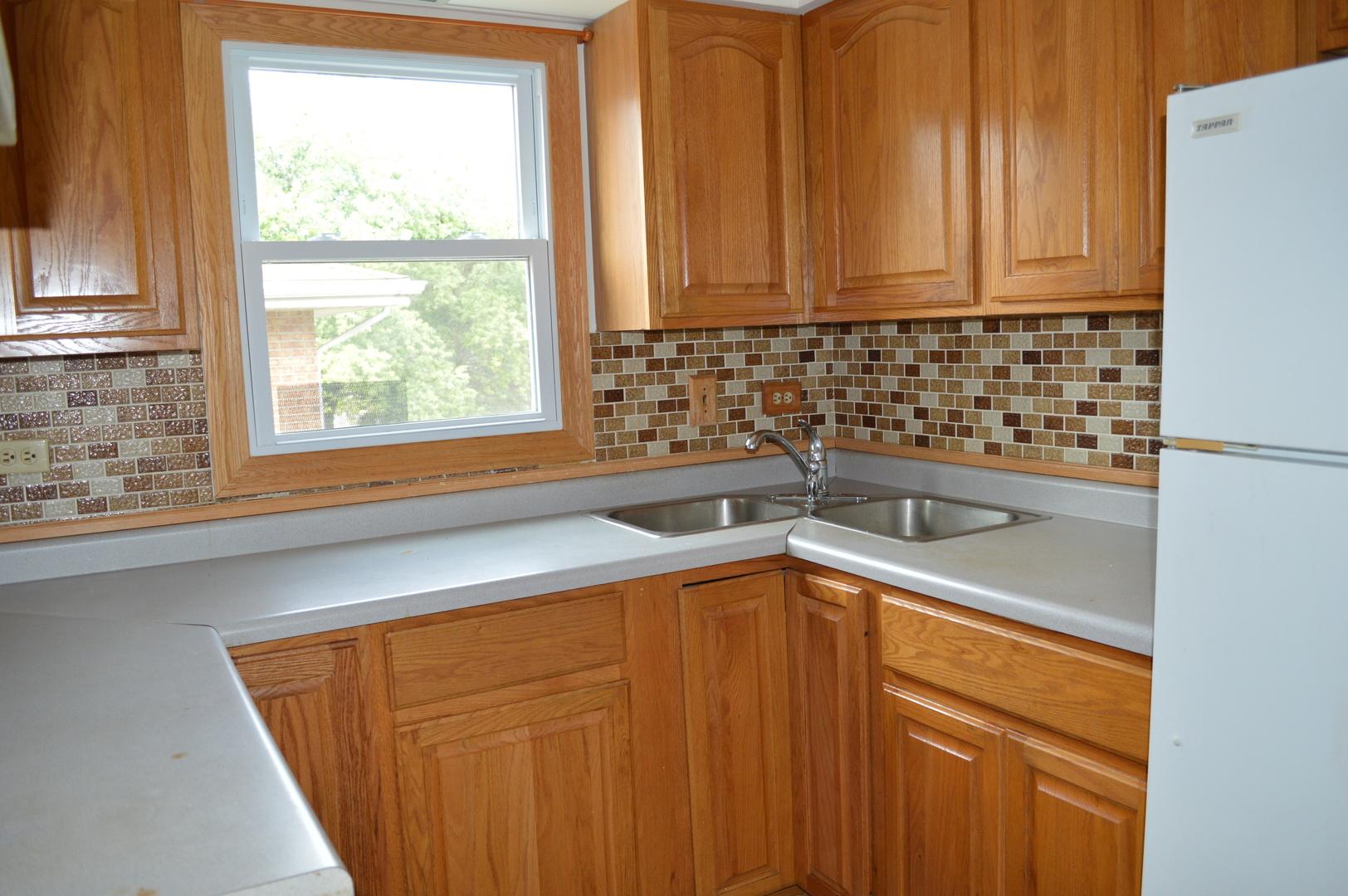 6413 West Home 12B, Worth, Illinois, 60482