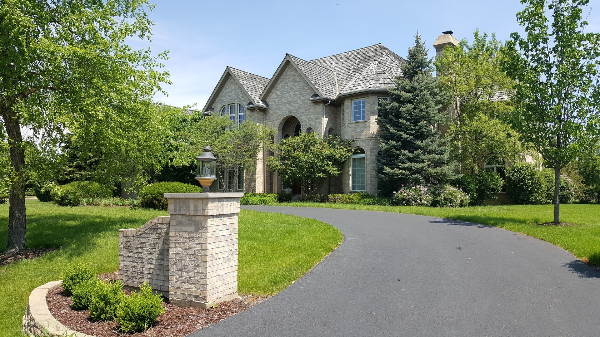 1742 Tanager Way, Long Grove, Illinois 60047
