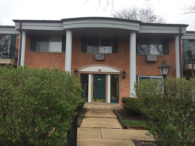 South Goebbert Rd., Arlington Heights, IL 60005