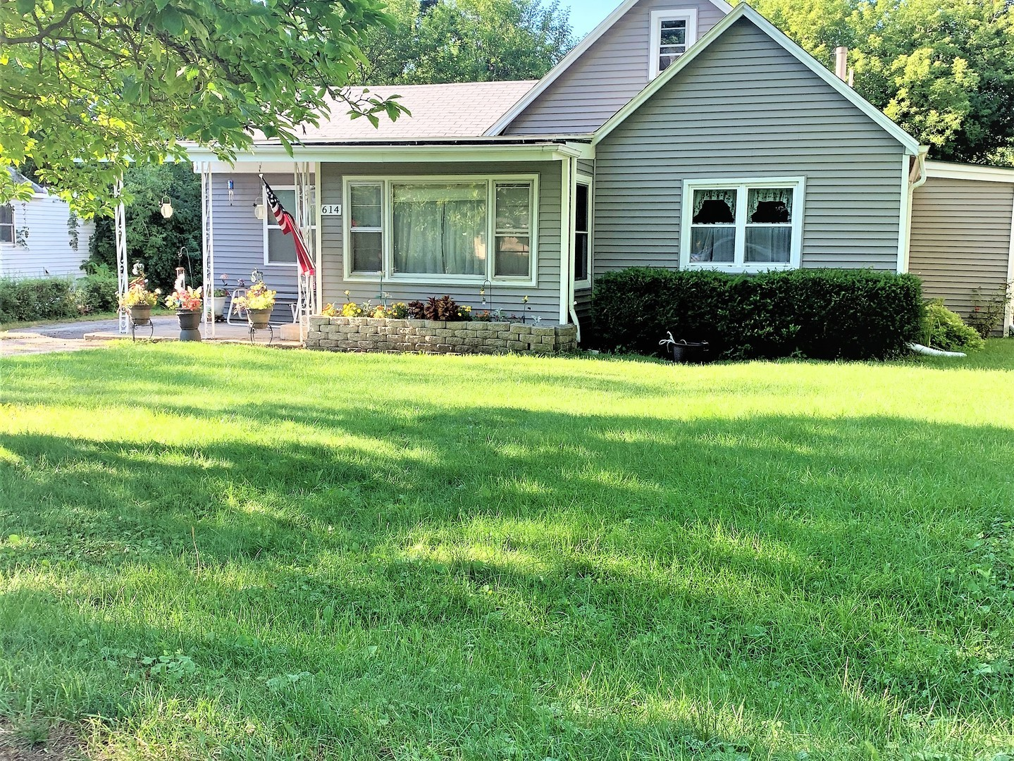 614 Lagoon, ROUND LAKE BEACH, Illinois, 60073