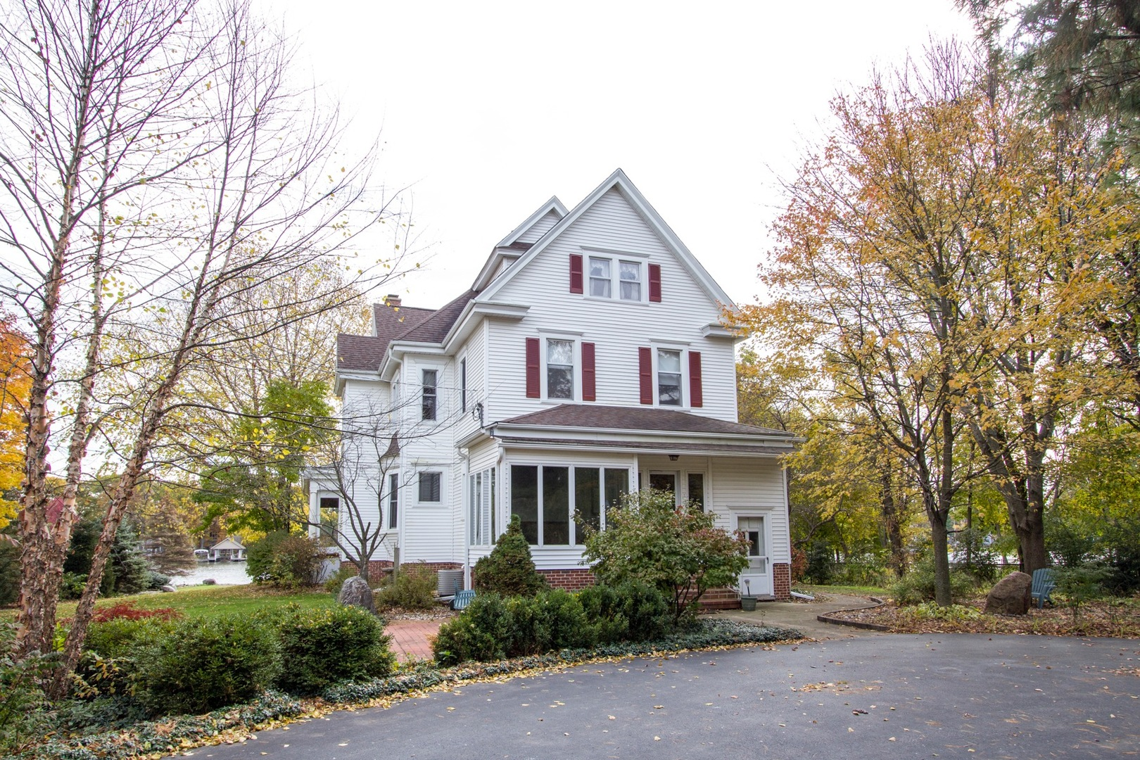 Property for sale at 1812 North Riverside Drive, Mchenry,  IL 60050