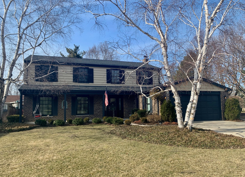 404 Thornapple Lane, Libertyville, Illinois 60048