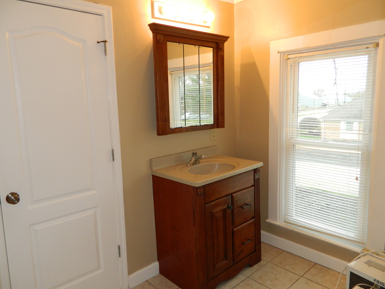 120 North Oak, HINCKLEY, Illinois, 60520