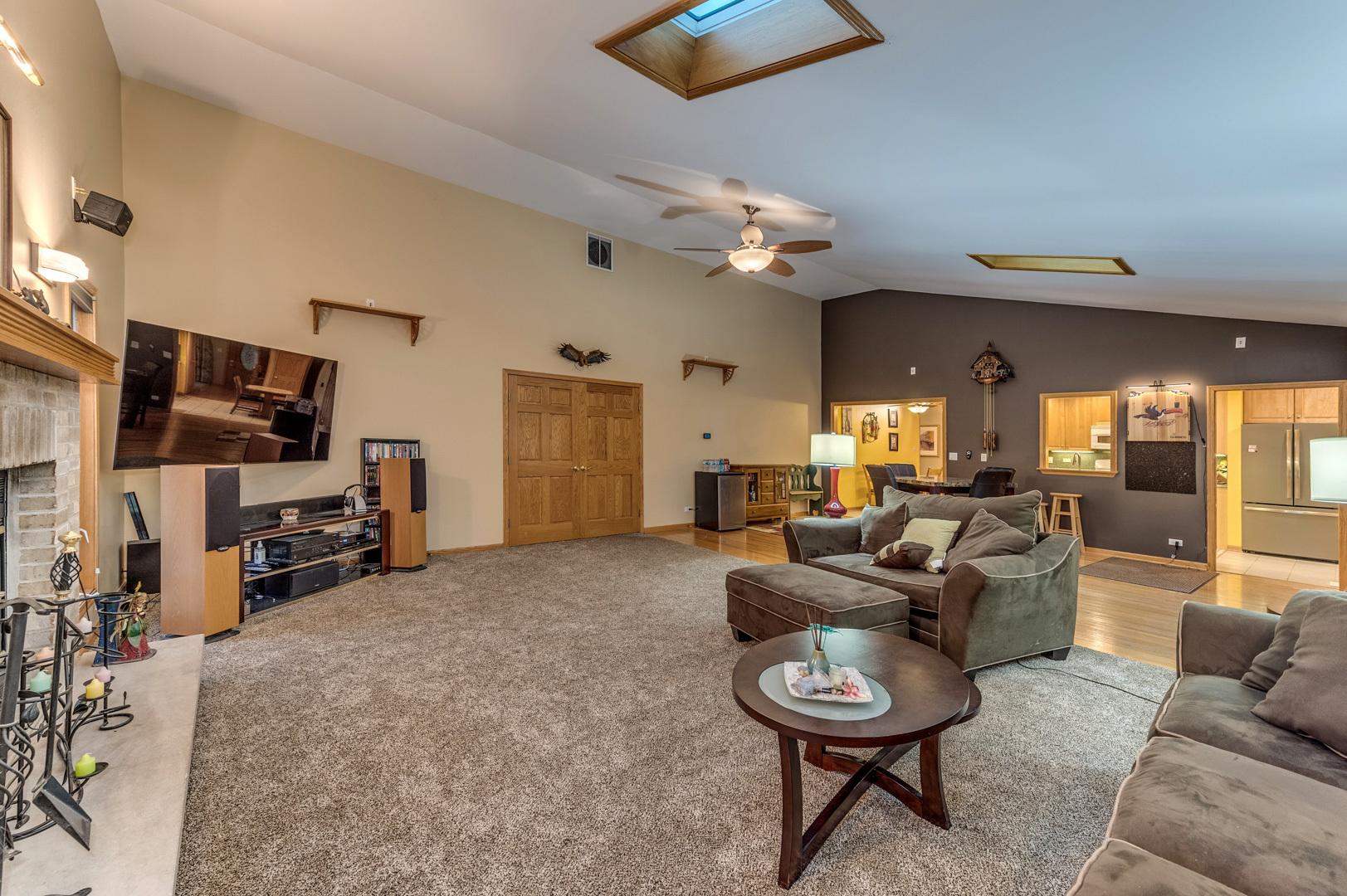 1091 Warwick, ELK GROVE VILLAGE, Illinois, 60007