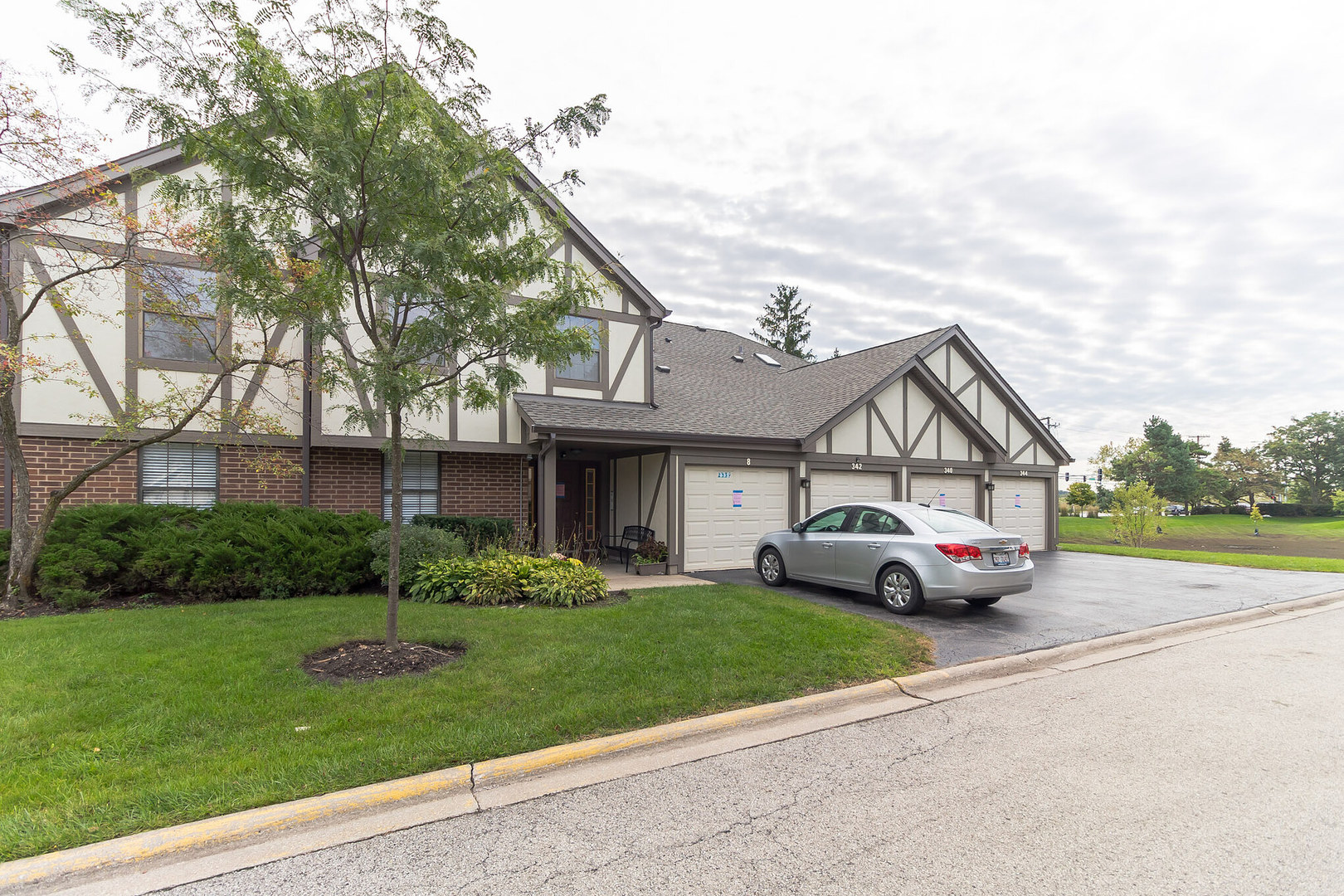 344 Essex 4-A-R, Wood Dale, Illinois, 60191