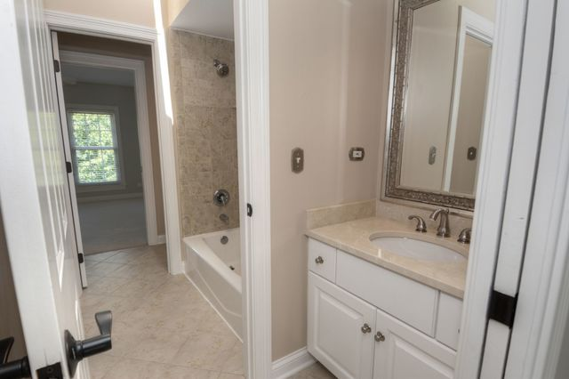 38W439 GOLFVIEW, ST. CHARLES, Illinois, 60175