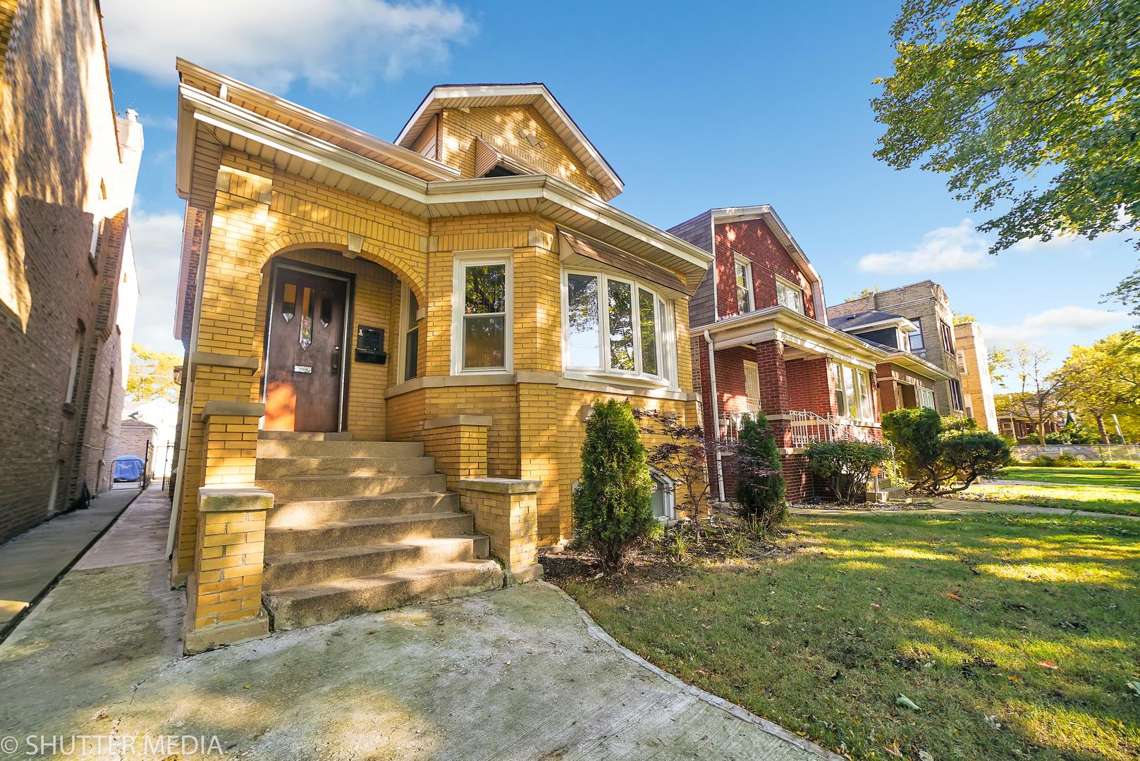 5012 West Oakdale, CHICAGO, Illinois, 60641