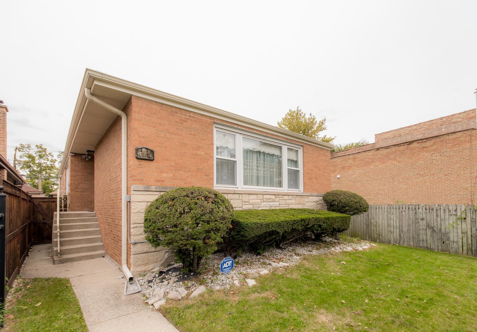 2654 W Pratt Exterior Photo