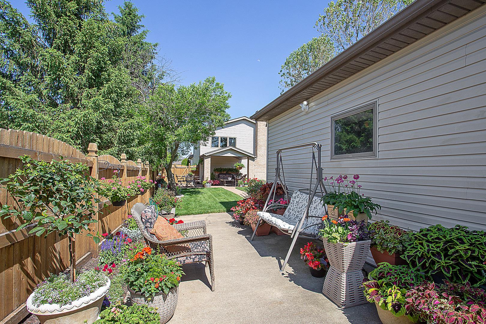 902 John, LEMONT, Illinois, 60439