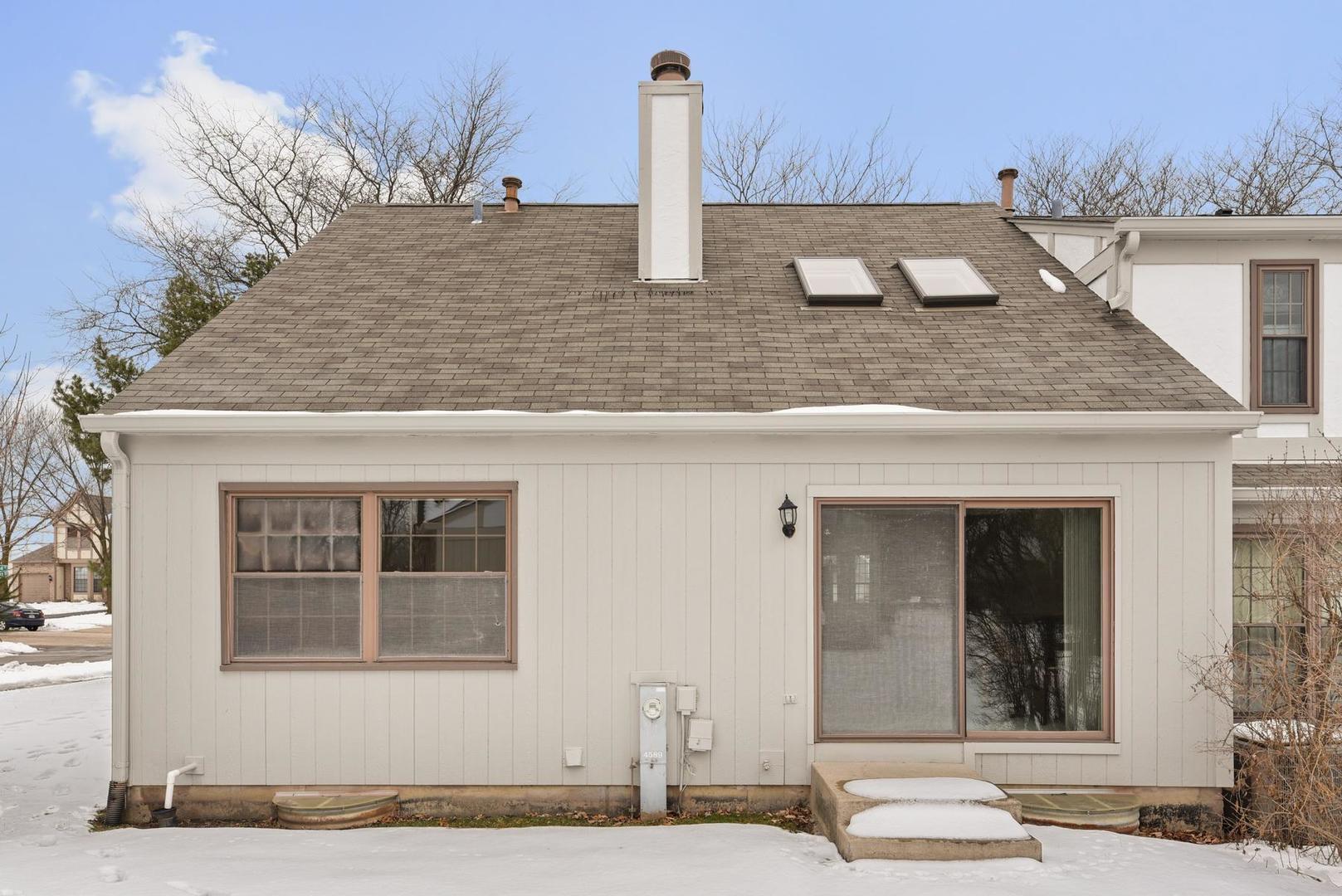4589 Topaz, Hoffman Estates, Illinois, 60192