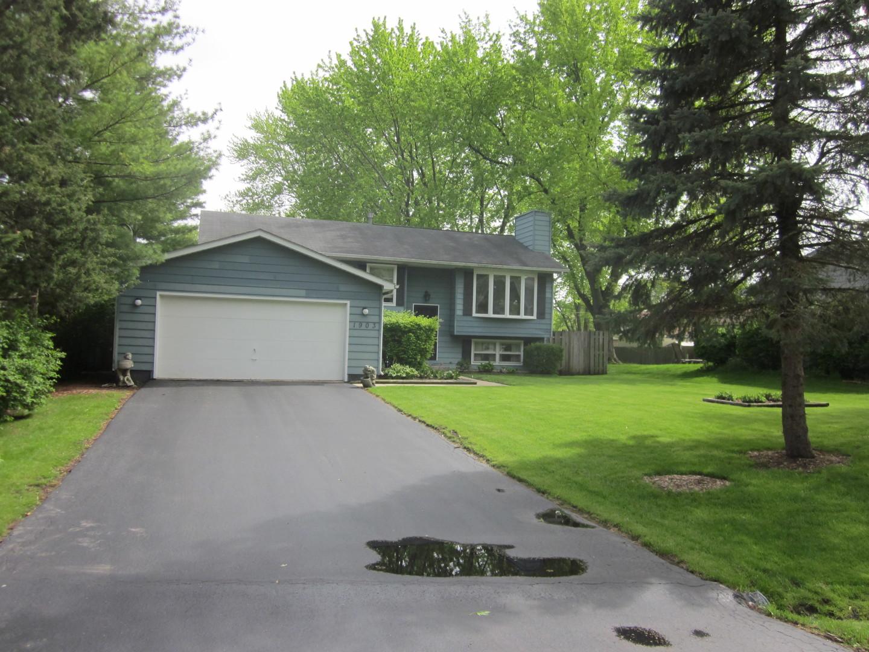 1903 Pinecrest Lane, Lindenhurst, Illinois 60046