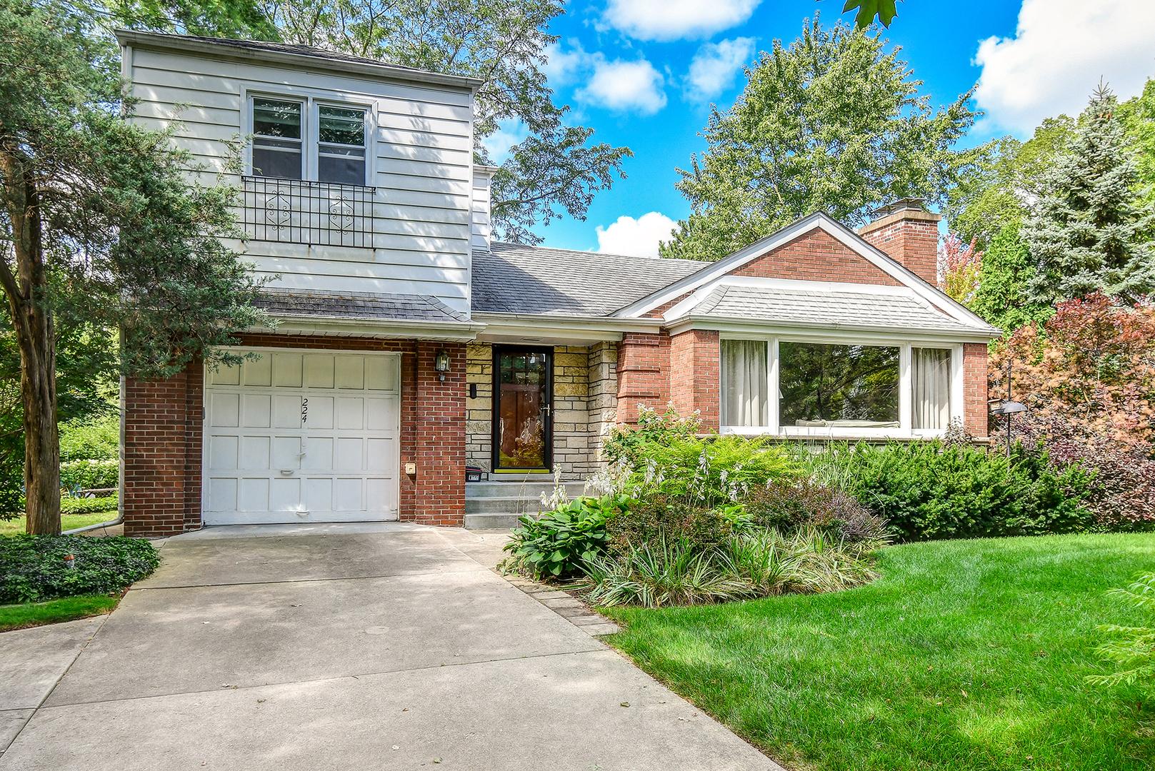 224 North Garfield, Hinsdale, Illinois, 60521