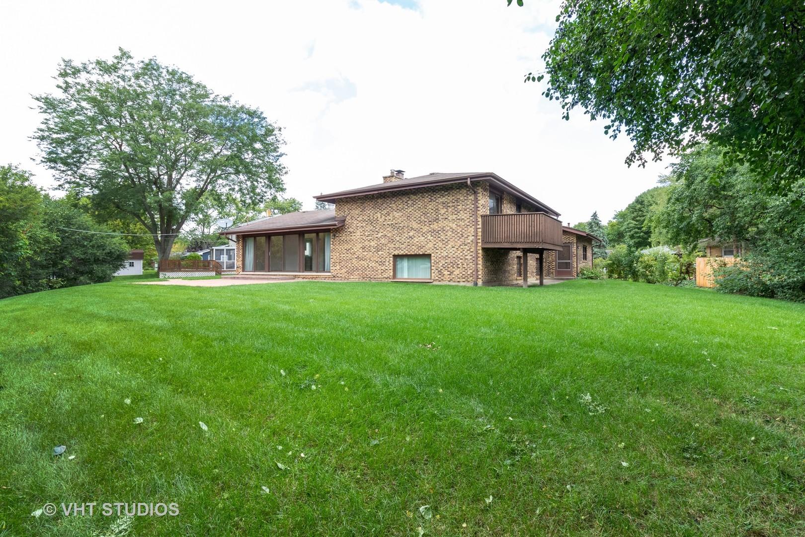 448 Ridge, Roselle, Illinois, 60172