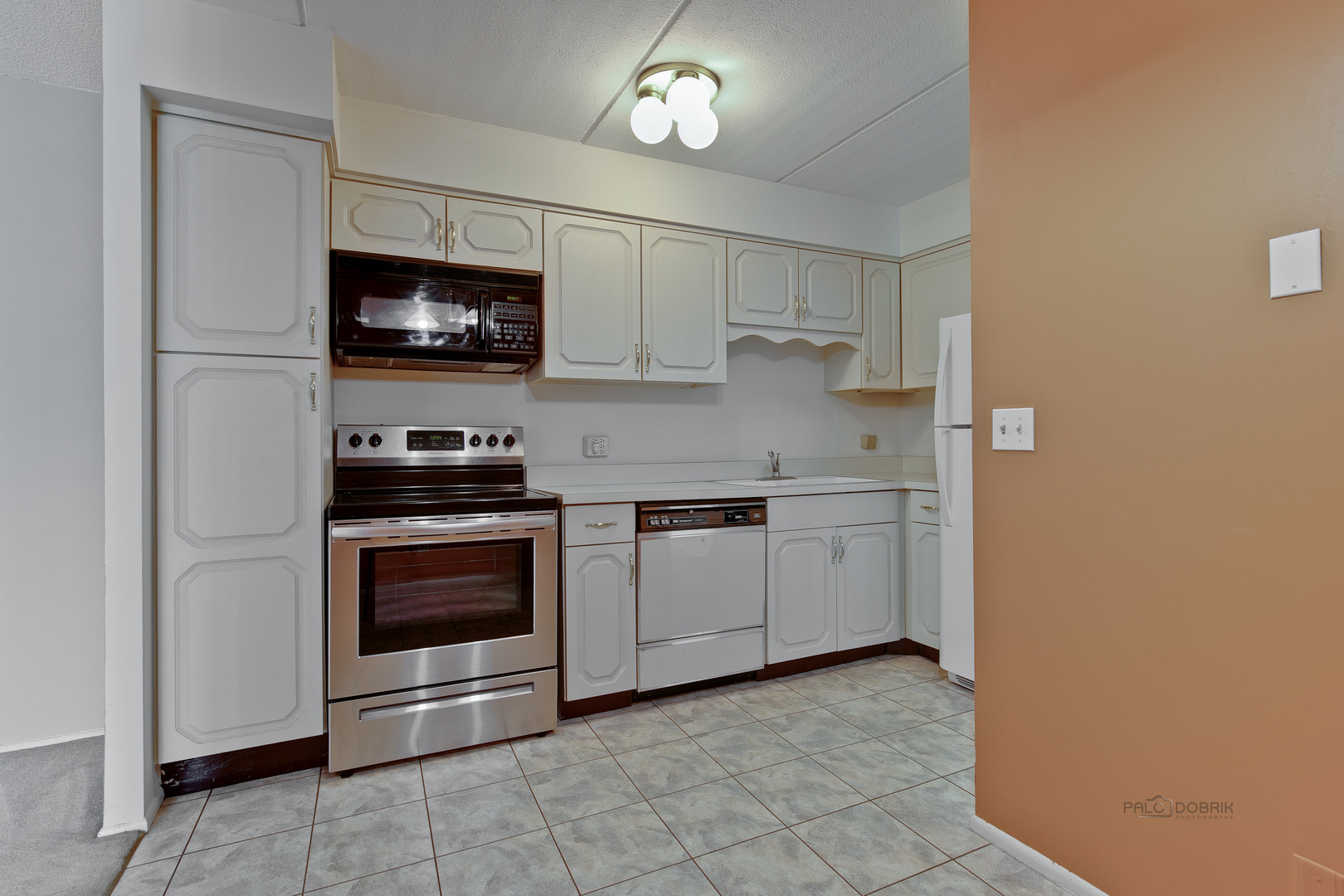 1301 North Western 230, Lake Forest, Illinois, 60045