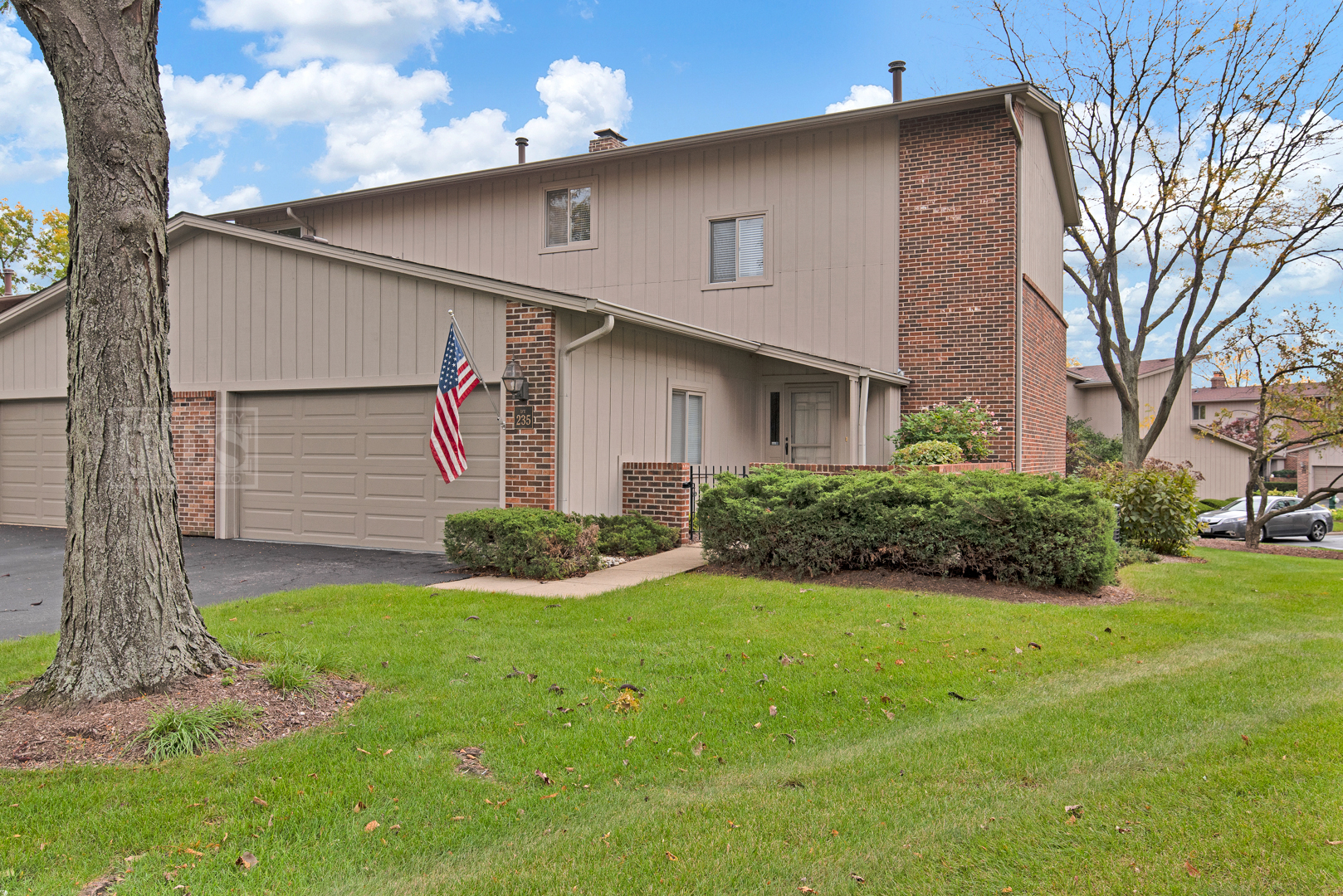 19W235 GINGERBROOK 235, Oak Brook, Illinois, 60523