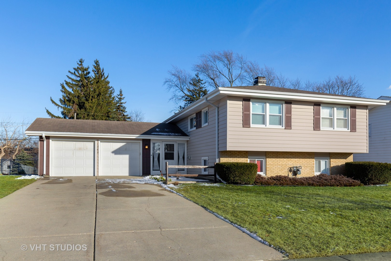 1365 Dennison, Hoffman Estates, Illinois, 60169