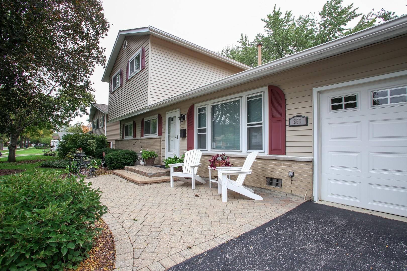 255 Fleetwood, ELK GROVE VILLAGE, Illinois, 60007
