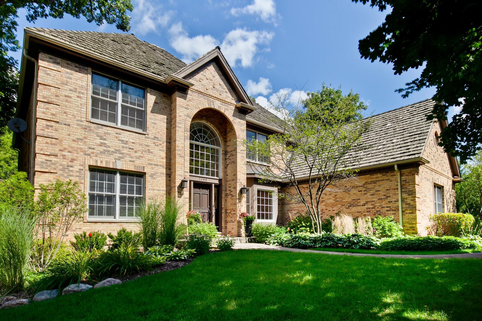 7244 Brae Court, Gurnee, Illinois 60031