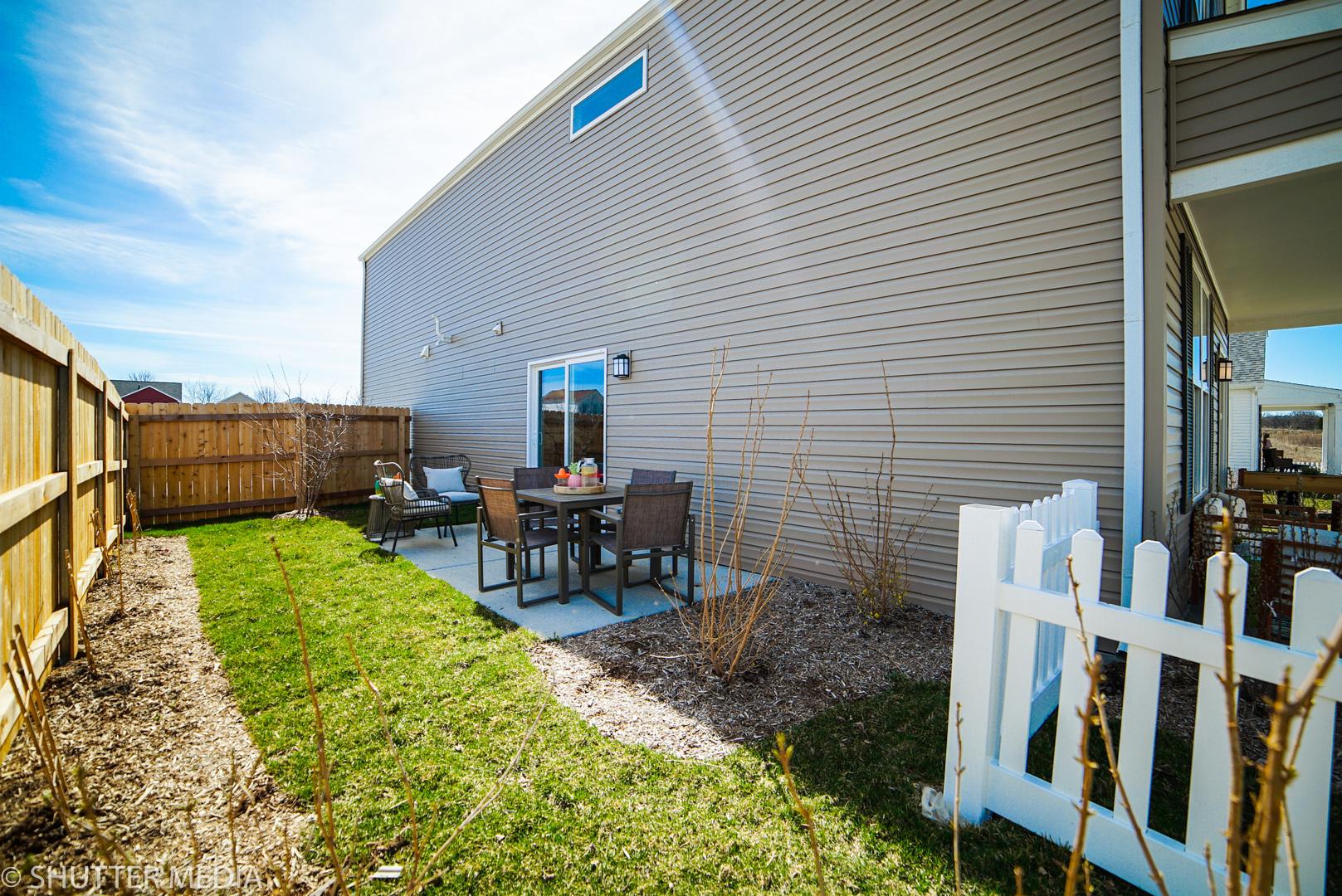 1018 CELEBRATION, AURORA, Illinois, 60504